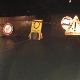 Frana sulla via per Dazio: ora la provinciale è chiusa
