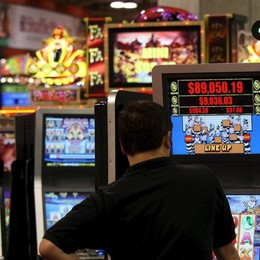 Rifiuti meno cari per chi dice no alle slot machine
