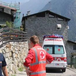 Ancora incidenti sul lavoro: operaio cade da un tetto a Sondrio