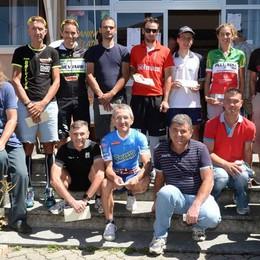 Ciclismo: Acquistapace  e la Manzoni primi in salita