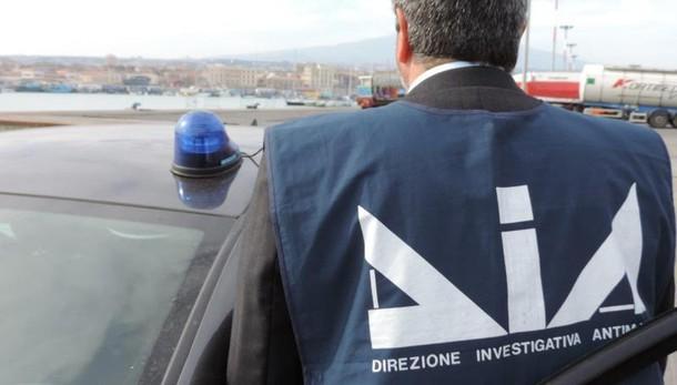 Dia, arrestati sindaco e consigliere comunale nel catanese
