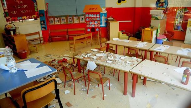 Crollo alla scuola elementare De Amicis