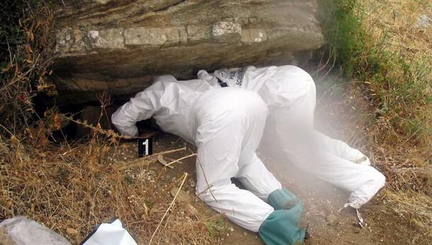 Cimitero di mafia scoperto nel Palermitano, recuperati i resti di 5 corpi