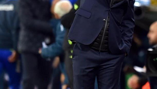 Inter: via de Boer, squadra affidata a Vecchi in attesa di Pioli