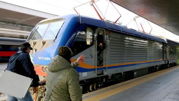Bari, sequestrati 30 convogli Trenitalia