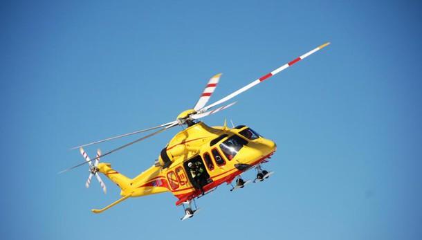 È caduto un elicottero a Bisuschio: un morto e diversi feriti
