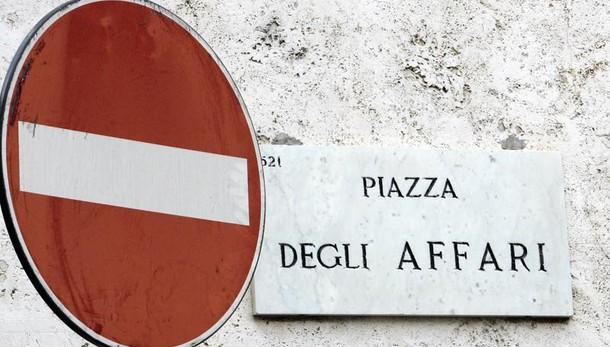 Vendite su banche e assicurazioni, Piazza Affari -0,80%