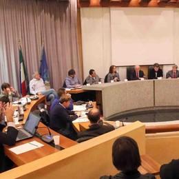 «Skipass a tutti, nonostante Molteni»  Minoranze unite all'attacco del sindaco