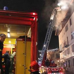 In fiamme il tetto del ristorante Totò