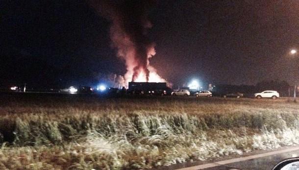 Esplosione fabbrica vernice Scarmagno, feriti anche Carabinieri e Vigili del Fuoco