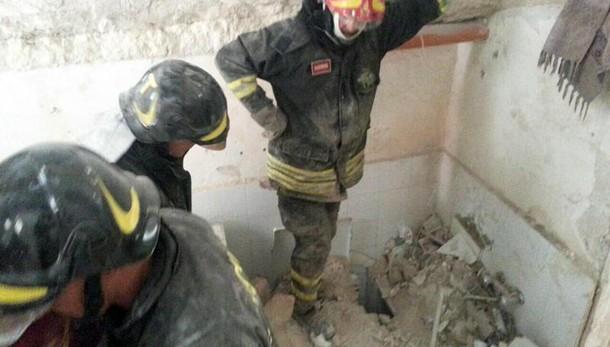 Scoppia bombola gas, un morto in provincia di Salerno