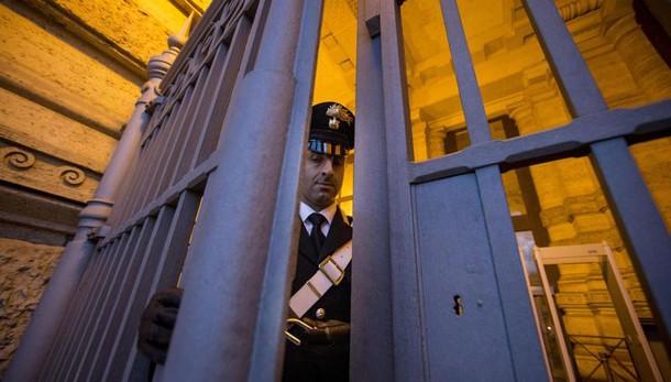 Terrorismo, ricercatrice libica torna in carcere La Cassazione conferma decisione Riesame