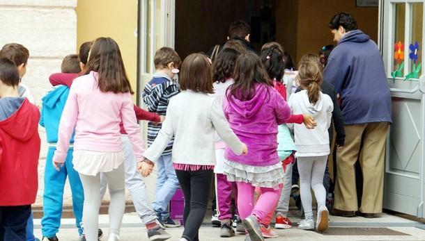 Scuola: Corte Costituzionale boccia i rinnovi reiterati dei docenti