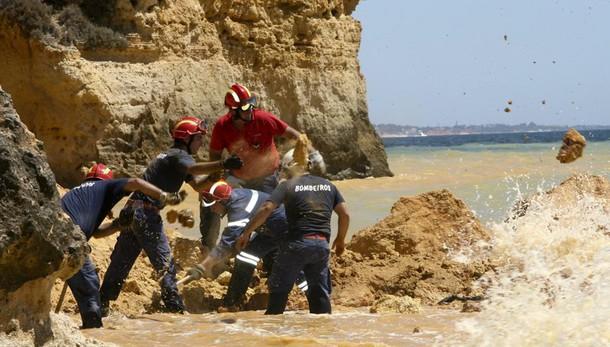 Portogallo: diciottenne italiano cade in un dirupo e muore