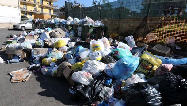 Rifiuti: Faraone, commissario in Sicilia