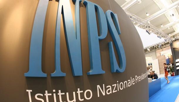 Bari, percepivano indebitamente sussidio Inps: 174 denunciati