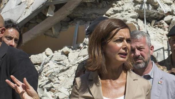 Terremoto, Laura Boldrini in visita ad Amatrice e ad Accumoli nella tendopoli