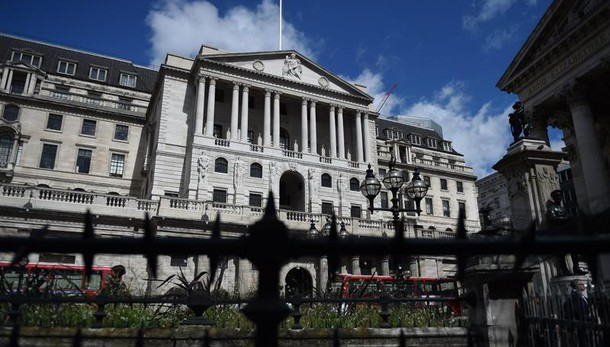 Bank of England, tassi fermi a 0,25%