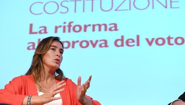 Referendum, Boschi contestata da studenti e insegnanti alla Festa dell'Unità di Bologna