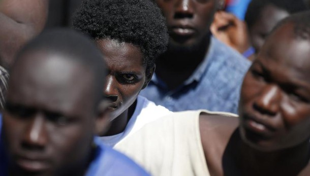 Marina Militare: Salvati 500 migranti al largo della Libia