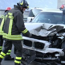 Frontale ad Ardenno, tre feriti e altro caos