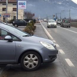 Asfalto nuovo e due marciapiedi  Per strade e sicurezza 183mila euro