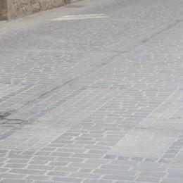 Via Roma criticata, «Rialzo pericoloso  per le automobili»