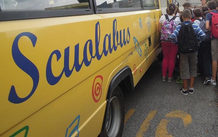 Albaredo: «Trasporto scolastico caro  Per due figli 700 euro l'anno»