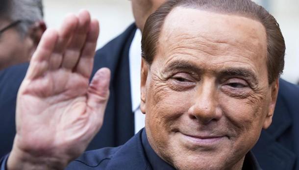 Ruby ter, soldi a 3 ragazze: verso richiesta processo a Berlusconi