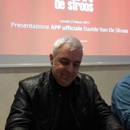 """Van De Sfroos e la sua """"app""""  «Ogni tanto mi sento snobbato»"""