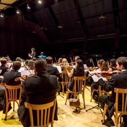 """Shostakovich e Musorgskij: sfida  russa   al Sociale di Sondrio  per la """"Vivaldi"""""""