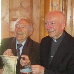 """«È un tesoro per la Valle»  Il premio""""Lavegin d'or""""   al cardinal Coccopalmerio"""
