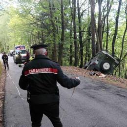 Albosaggia, auto esce di strada  e finisce nel bosco. Grave un'anziana