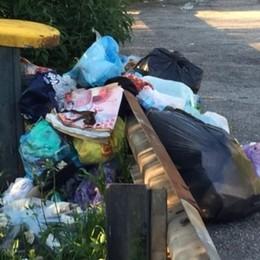 È di nuovo emergenza rifiuti sulla superstrada