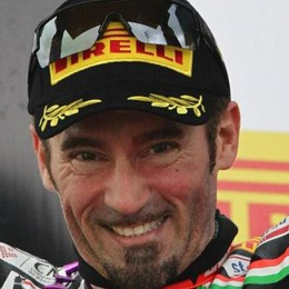 Incidente in pista  Paura per Max Biaggi