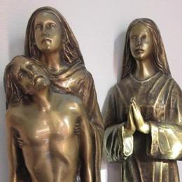 Statuette rubate al cimitero di Cercino, arrestato per ricettazione