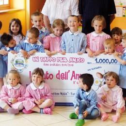 Raccolta tappi, premiati i bimbi: «Così aiutiamo la nostra scuola»