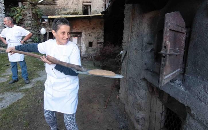 Lo pan ner e gli antichi mulini, tuffo nel passato
