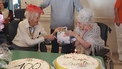 La signora Annita, 100 anni con eleganza  Festa con la sorella Ada, che ne ha 101