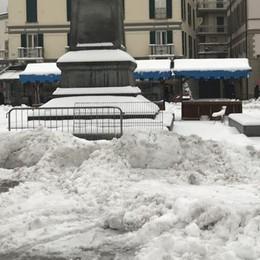 Treni in ritardo e disagi sulle strade per la neve caduta in provincia
