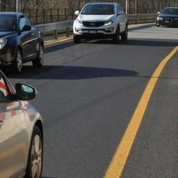 La strada è riaperta ma resta la polemica  «Punti pericolosi»