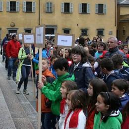 Seicento coristi sparsi per Tirano: una festa del canto