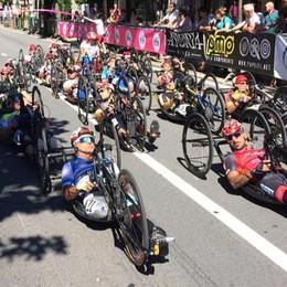 Ciclismo, Podestà vince la tappa di Tirano del Giro d'Italia Handbike
