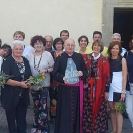 """""""Archeofilo"""" e alpino Gli Amis de san Giuan festeggiano don Mario"""