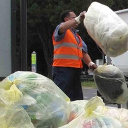 Tassa dei rifiuti in città, tra le più leggere in Italia