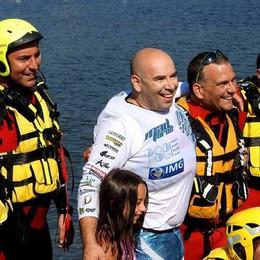 In moto sul lago, traversata da record  Quattro minuti da Gravedona a Colico