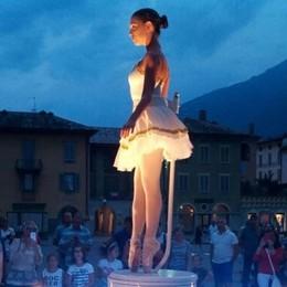 """La ballerina sul piano per """"I love Tirano""""  Notte bianca e magica"""