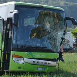 Incidente con il bus, paura per 50 giovani comaschi