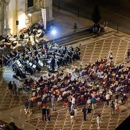 Tirano diventa un palcoscenico  Musica e spettacoli nella città