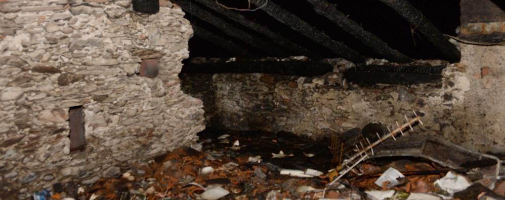 Delebio, in via Torelli area in sicurezza dopo l'incendio